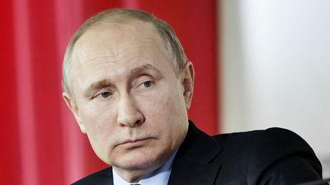 Vladimir Putin skal gjenvelges som president samtidig som Russlands forhold til Vesten blir kraftig forverret.