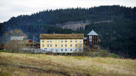 Farsgården til Odd Reitan heter Fløtta og ligger i Soknedal sør for Trondheim.