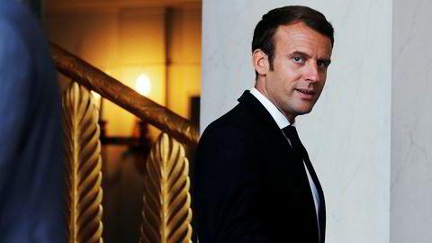 Frankrikes president Emmanuel Macron tilbyr Iraks statsminister Haider al-Abadi å roe ned stemningen mellom irakiske kurdere og Irak.