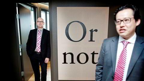 SEB-analytiker Sean Yokota (til høyre) tror Donald Trumps seier kan ha fått Kina til å rette øynene mot Europa. Her sammen med kollega Mats Olausson.