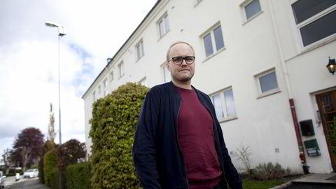 Jens Løkkevik (29) kjøpte sin første leilighet i Stavanger i fjor sammen med kjæresten. – Vi har vel kjøpt for å bo en stund, sier Løkkevik som foreløpig ikke bekymrer seg for å måtte selge med tap.