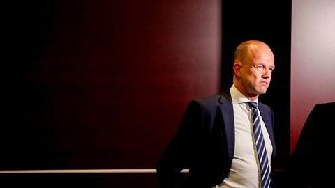 – Ingen vet hvor vi er om noen uker. Nå må vi fatte raske beslutninger og handle stort, sier NHO-sjef Ole Erik Almlid.