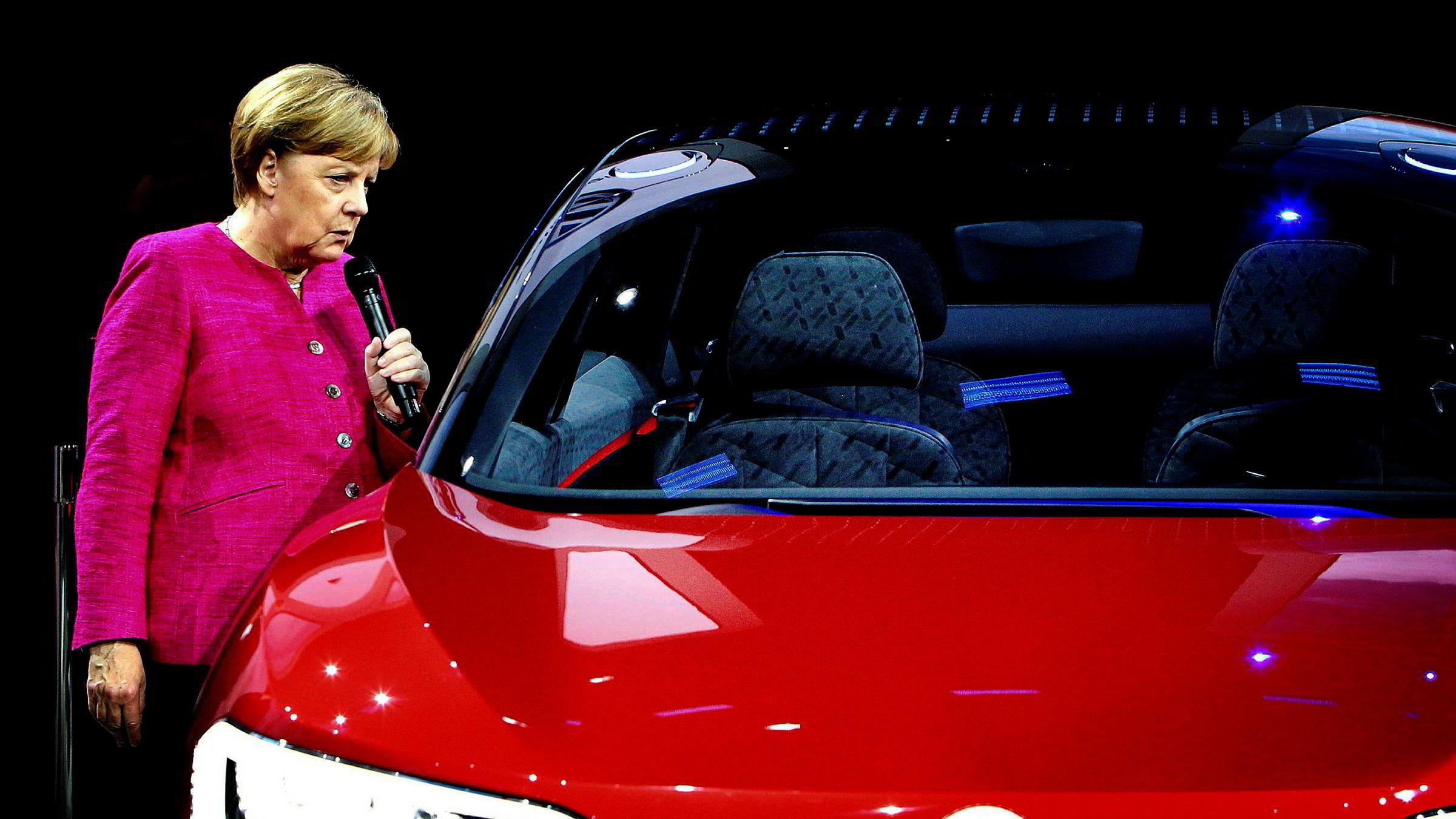 Senest i forrige uke holdt forbundskansler Angela Merkel en innstendig appell til bilindustrien om å rydde skikkelig opp før det blir gjort varig skade for landets viktigste eksportindustri.