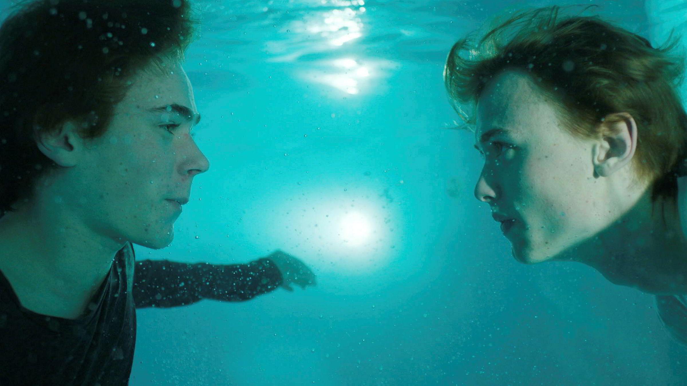 Hovedpersonene i tredje sesong av NRK-serien «Skam» er Isak (Tarjei Sandvik Moe, til venstre) og Even (Henrik Holm).