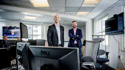 Morten A. Lindeman (til venstre) og Kristian Nesbak har skapt en pengemaskin på salg av aksjekurser i realtid. Fredag noterer de Infront på Oslo Børs.