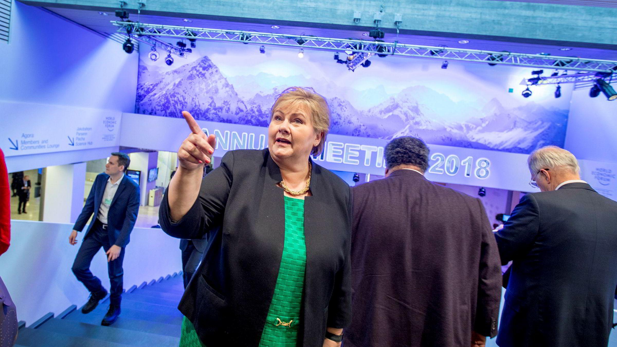 The Economist foreslår en norsk modell for Storbritannia etter brexit. Det kan gi kattepine for Erna Solberg. Her fra Davos tidligere i år.