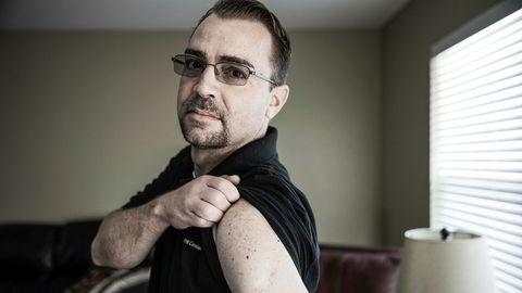 Var sjef for 50 mann. Ti heroinsprøyter om dagen har satt sine spor på Christopher Pierce overarmer