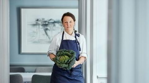 Trives med det grønne. Kokk Nina Kristoffersen på Statholdergaarden.