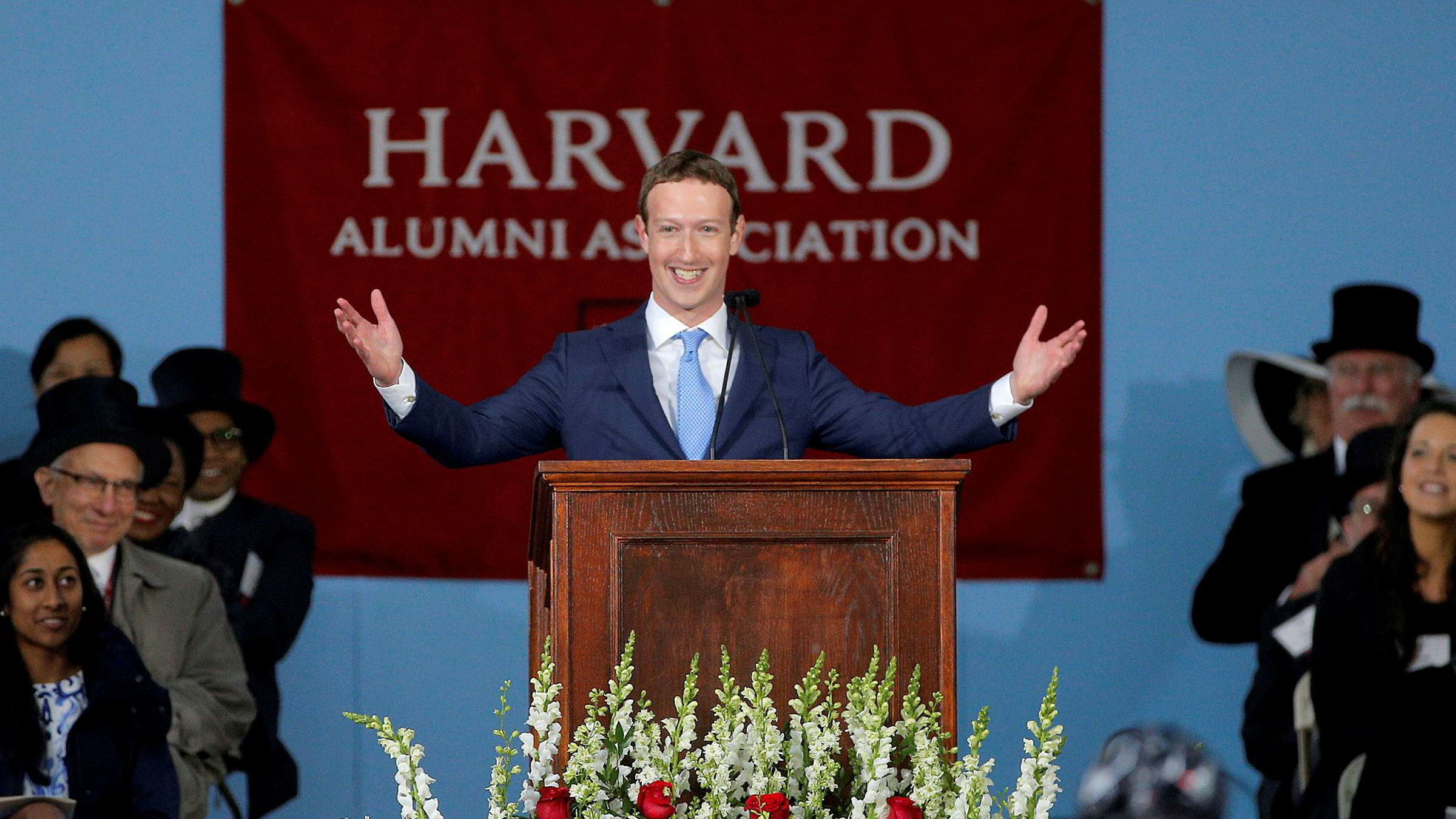 Facebook-grunnlegger Mark Zuckerberg er positiv til å teste ut borgerlønn. Kanskje en test Facebook kan få i stand?