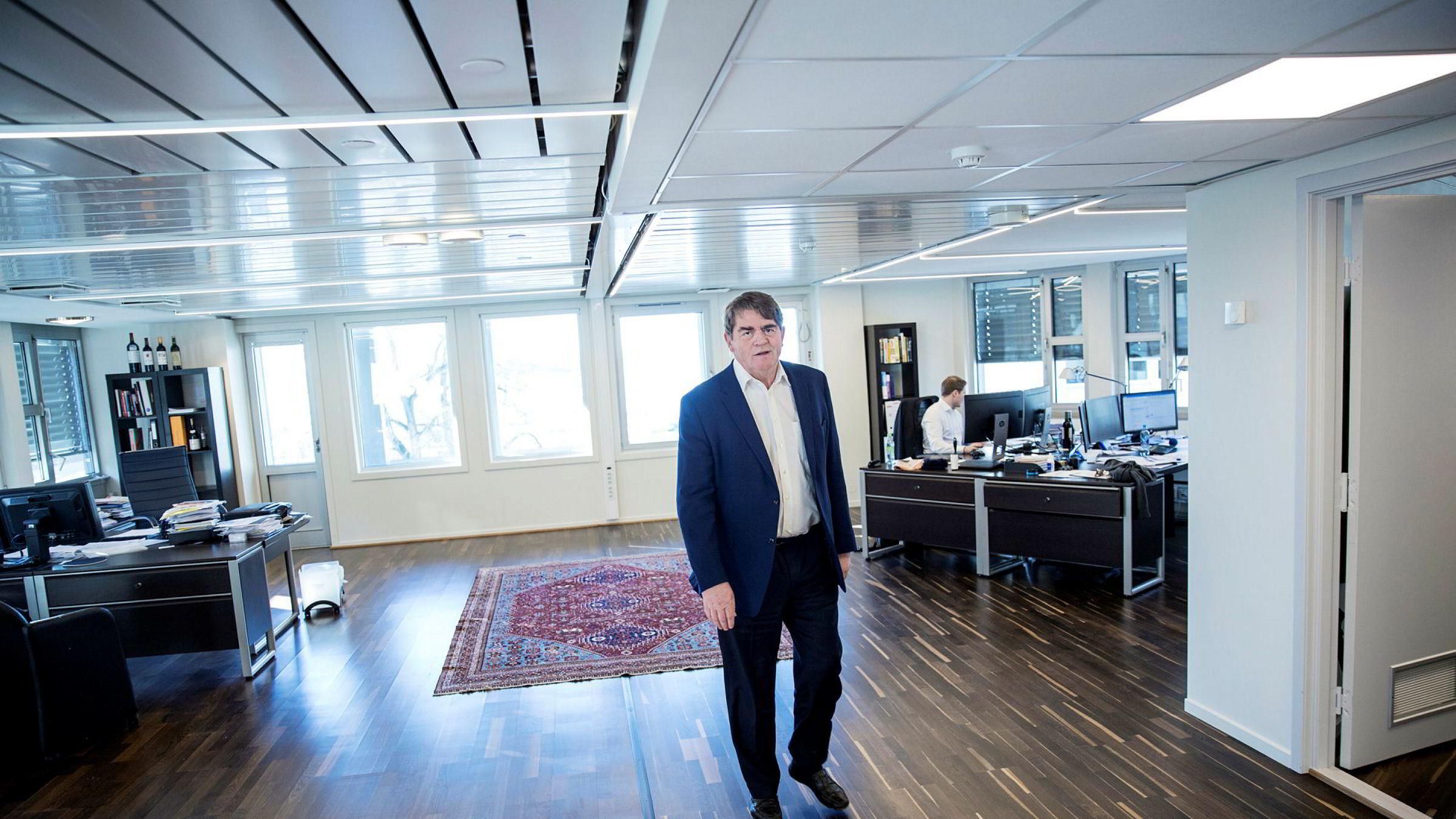 Investor og forvalter Jan Petter Sissener mener Pareto-topp Petter Dragesund allerede er dømt i media. – Dette er den eneste form for kriminalitet hvor du blir offentliggjort med navn og adresse, sier Sissener.