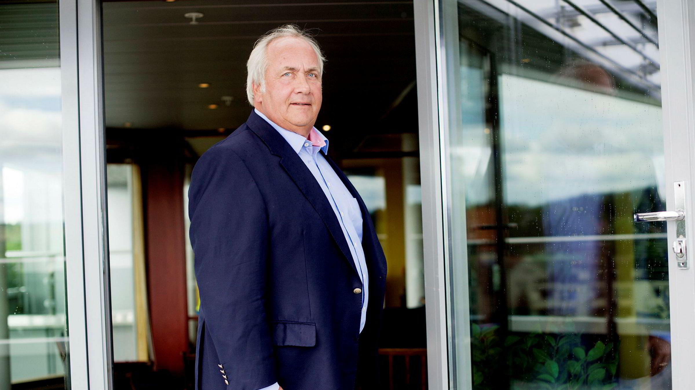 Investor og milliardær Torstein Tvenge kjøper seg inn i nok en forbrukslånsbank.