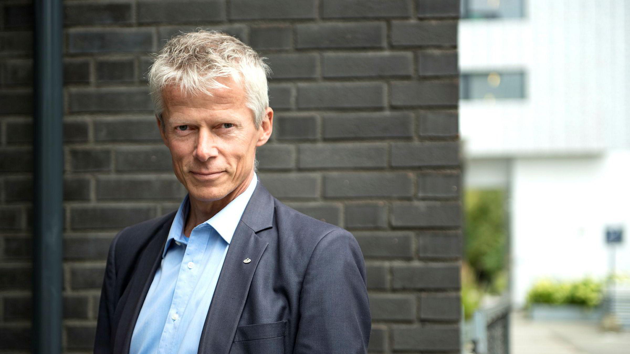 Skattedirektør Hans Christian Holte stiller spørsmål ved politiets innsats ved arbeidslivskriminalitet.