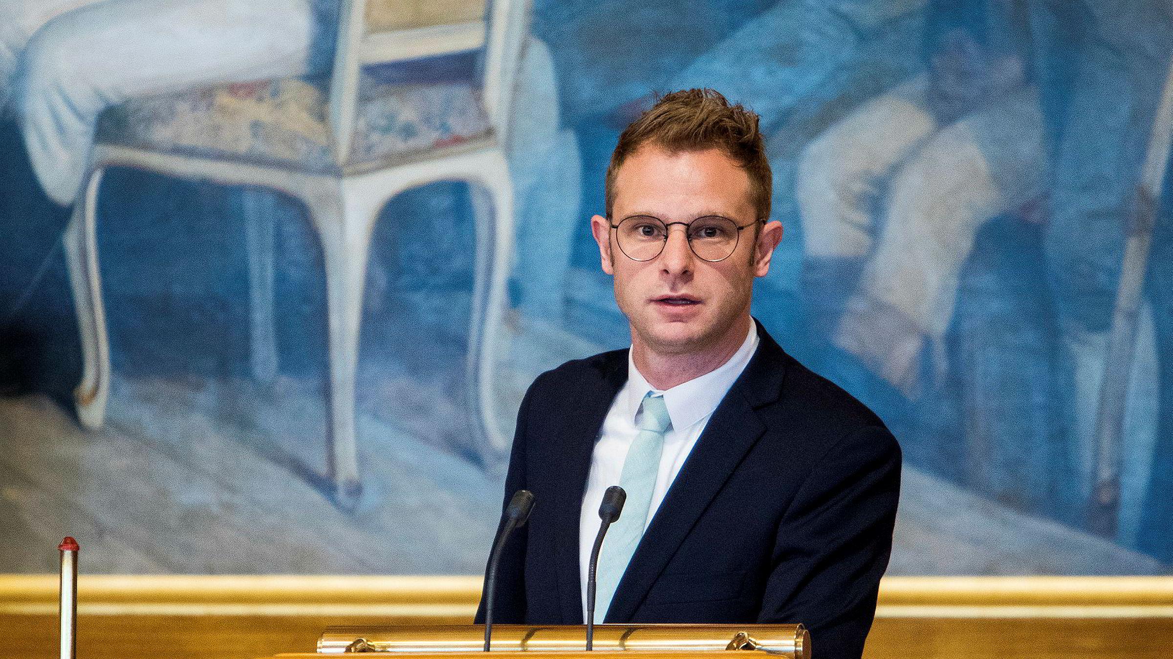 SV-nestleder Snorre Valen kjempet mot lønnstillegg til politikerne torsdag. Problemet for noen av politikerne er heller at de henger etter i lønnsutviklingen.