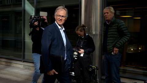 Torbjørn Lothe, sjef i NHO luftfart, forsvarer den nye lavprisaktøren Wizz Airs inntreden i norsk luftfart.