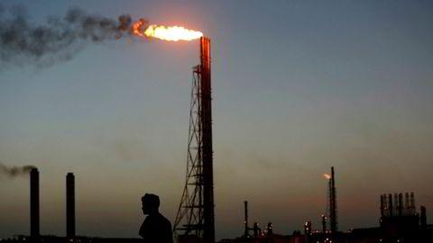 Usikkerheten i oljemarkedet øker i forkant av oljetoppmøtet i Opec onsdag. Her fra Cardon refinery, i Punto Fijo, Venezuela,