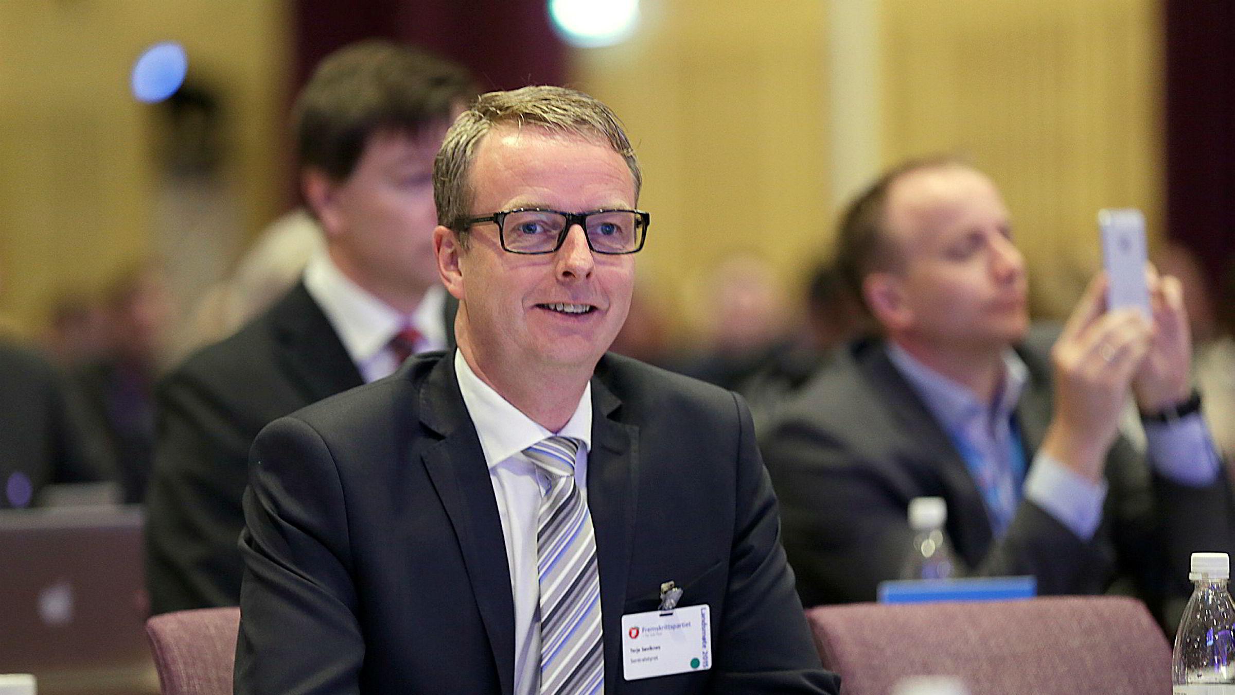 Ordfører i Os Terje Søviknes blir ny oljeminister.