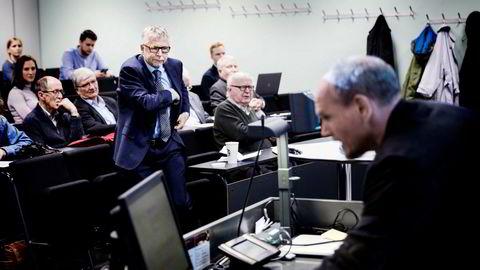 – Jeg mener SSB burde vært ute og forklart bedre, sier senioranalytiker Erik Bruce i Nordea. I forgrunnen professor Tommy Sveen ved Handelshøyskolen BI.