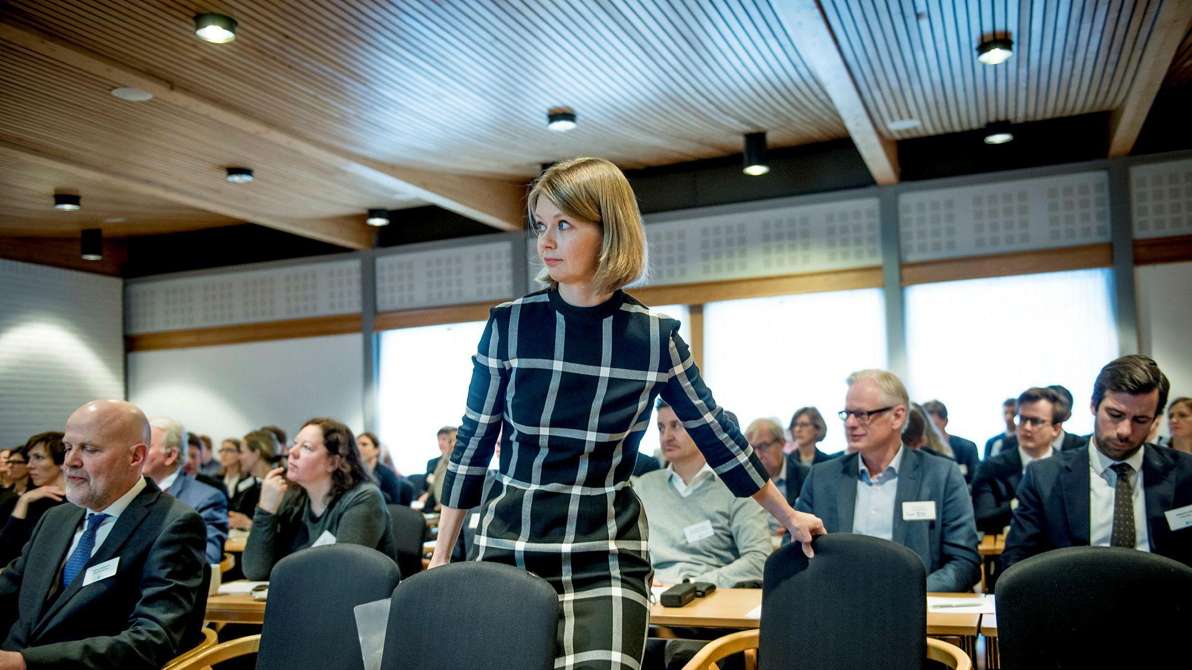 Direktør for pengepolitikk i Norges Bank, Ida Wolden Bache, deltok onsdag på Valutaseminaret 2018 på Voksenåsen kultur og konferansehotell. Der fikk hun også ta imot Prognoseprisen på vegne av sentralbanken.