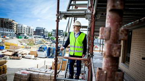 Administrerende direktør Baard Schumann i Selvaag Bolig tror investorene heller vil investere i leiligheter i nabokommunene til Oslo dersom det stilles høyere krav til sekundærbolig i hovedstaden.