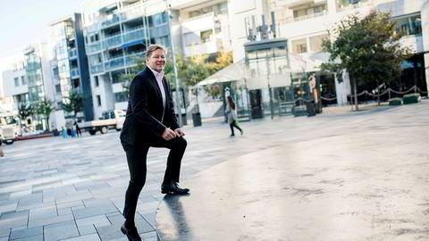 Aksjeforvalter Lars Erik Moen i Danske Bank sammenligner koronaviruset med spanskesyken som fra et realøkonomisk perspektiv rammet reise- og hotellbransjen hardest.