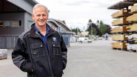 Styreleder Thomas Beck har i mange år drevet familiebedriften Carlsen Fritzøe sammen med barna og søsteren på eiersiden. Nå selger de selskapet til Byggmakker.