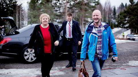 Statsminister Erna Solberg og statssekretær Sigbjørn Aanes.