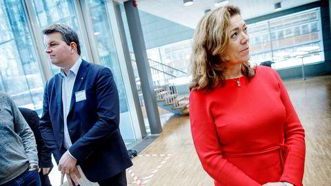 Forhandlingene mellom LO- sjef Hans-Christian Gabrielsen og NHO-leder Kristin Skogen Lund kan ende med at flere titusen LO medlemmer tas ut i streik.