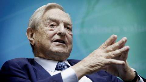 Hedgefondforvalter og samfunnsdebattant George Soros setter penger på at Norwegian-aksjen skal ned.