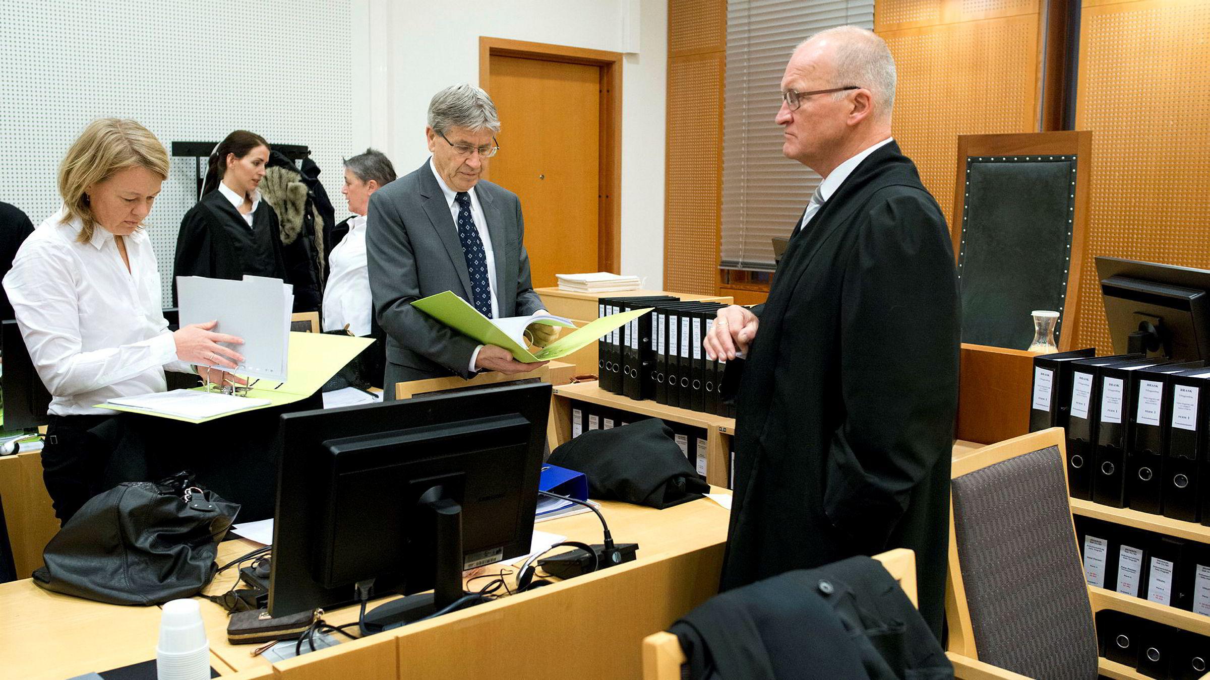 Advokat Ann Johnsen (fra venstre), advokatfullmektig Siri Ross Wessel, advokat Berit Reiss-Andersen, advokat Erik Keiserud og advokat Erling O. Lyngtveit under Transocean-saken i Oslo tingrett i 2012.