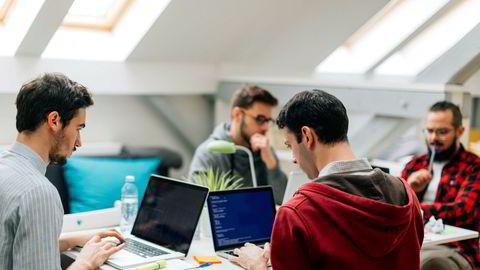 Små team av designere og programmerere kan i dag skru sammen løsninger som inntil nylig var forbeholdt aktører med store ressurser.