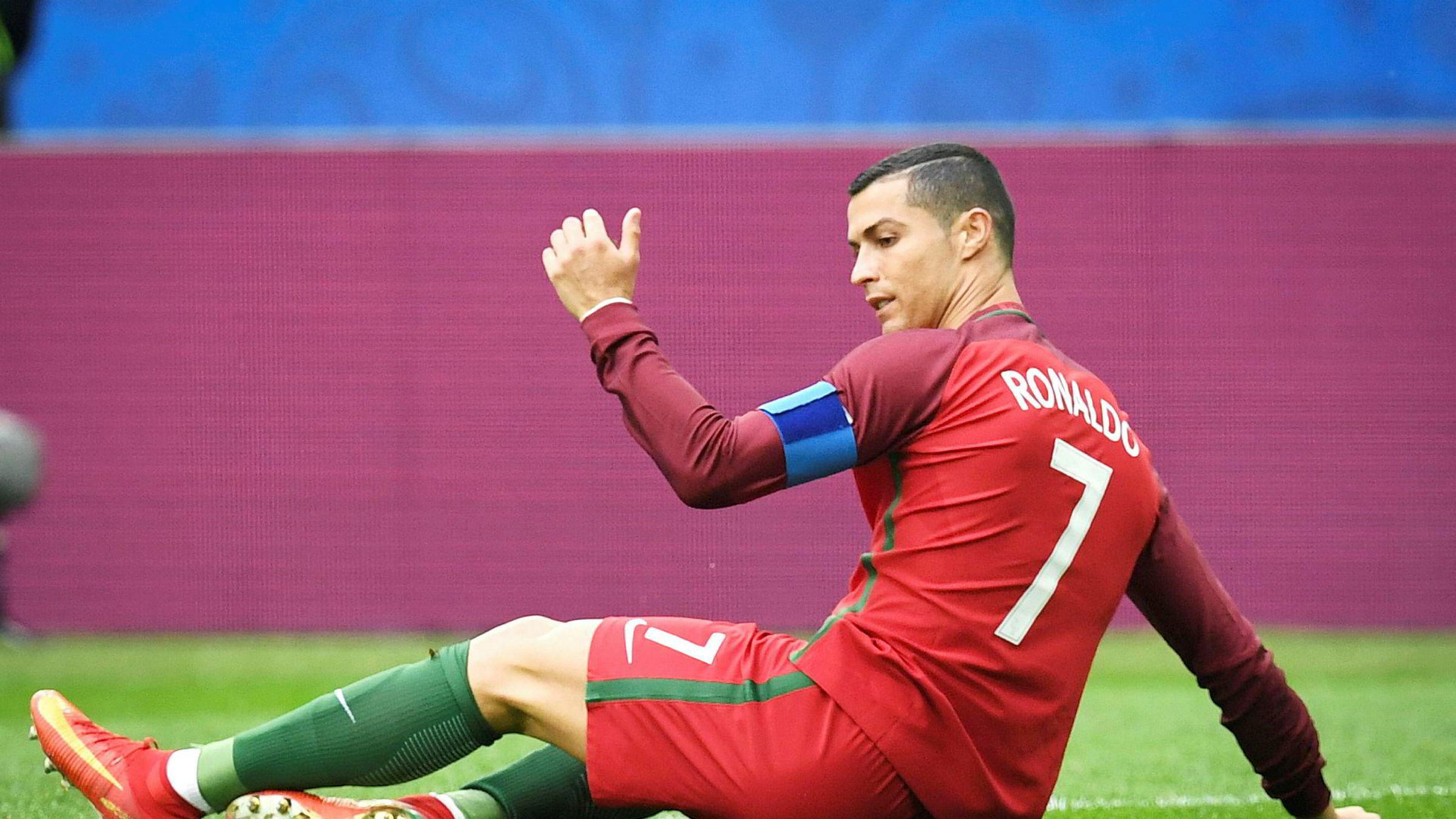 Fotballfans kan anten juble eller fortvile, avhengig av favorittlag, etter at Ronaldo trua med klubbskifte fordi han blei skulda for skatteunndraging i Spania.