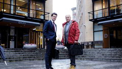 Tor-Erik Baksås (til venstre) og Per Lykke fra Telemarks fylkeskommunes kontrollorgan møtte Økokrim tirsdag.