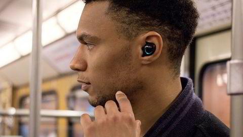 Helt trådløse ørepropper har ingen ledninger, heller ikke mellom proppene.