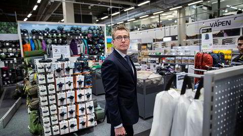 Hugo Maurstad er styreleder i XXL, som skal starte et massivt salg av vintervarer, herunder 67.000 par ski.