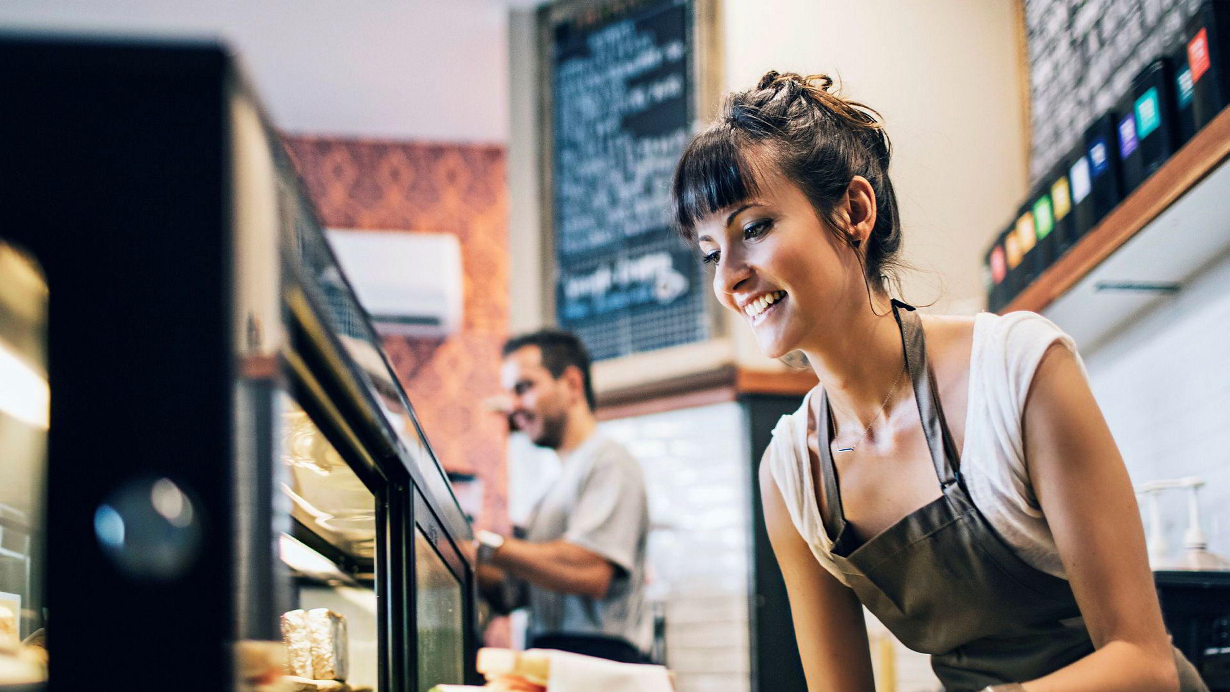 En lovfestet nasjonal minstelønn vil kunne være mer brukervennlig sammenlignet med et mylder av ulike lønnssatser i ulike allmenngjøringsforskrifter.