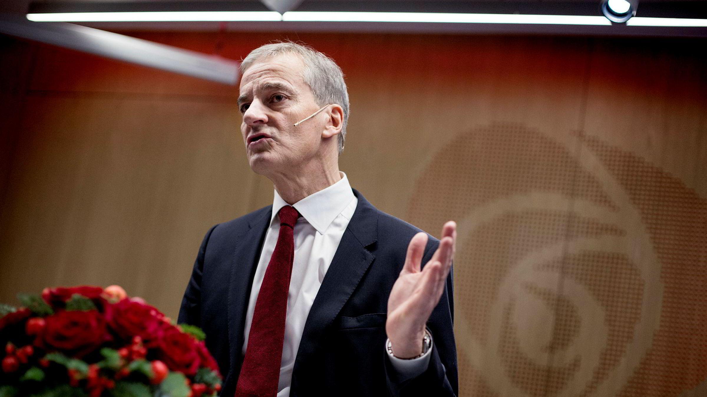 Arbeiderpartileder Jonas Gahr Støre på pressekonferansen på Arbeiderpartiets partikontor på Youngstorget tirsdag.
