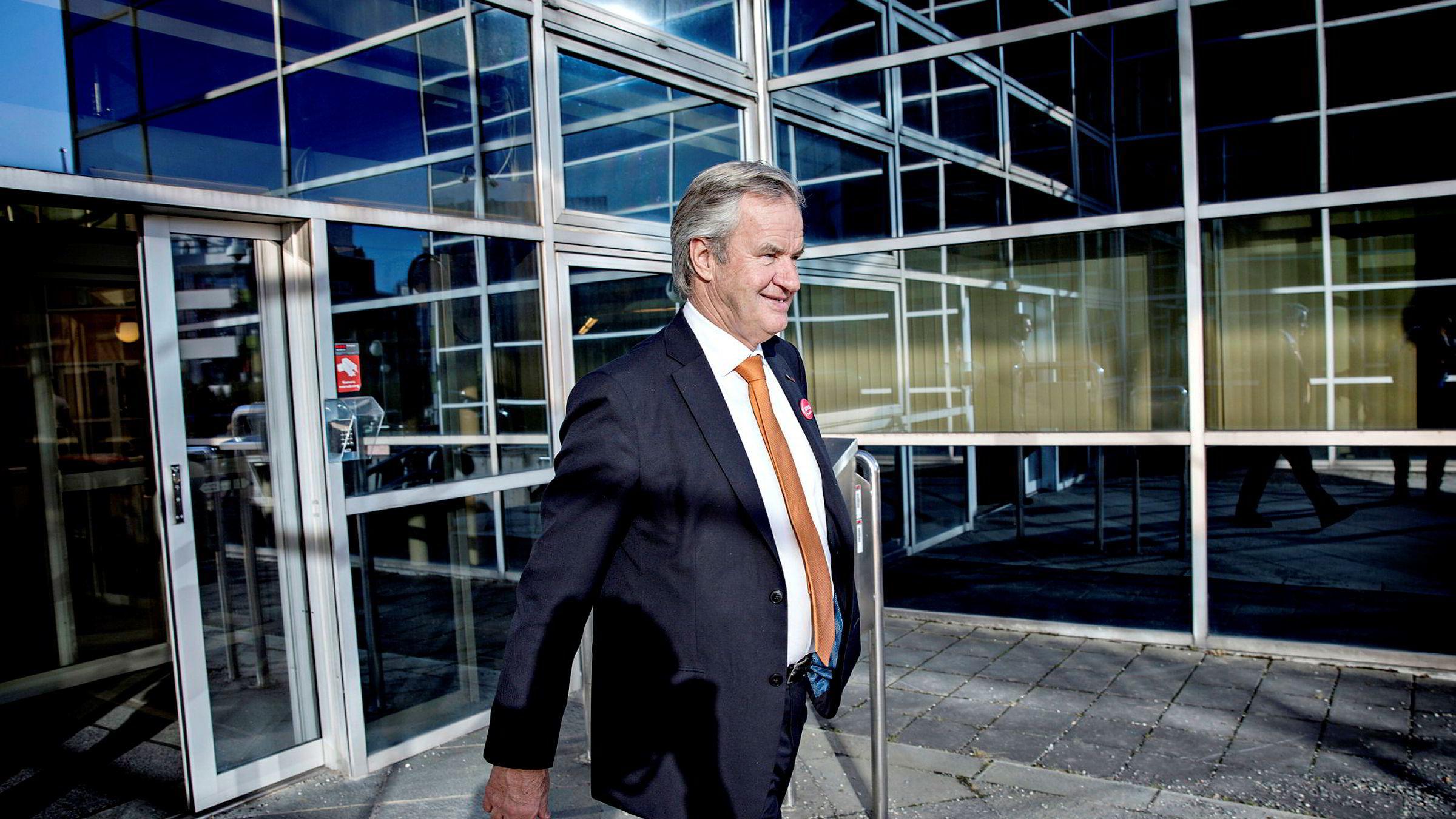 Analytiker Lars-Daniel Westby i Sparebank 1 Markets mener Norwegian-sjef Bjørn Kjos må stoppe veksten – eller selge selskapet.