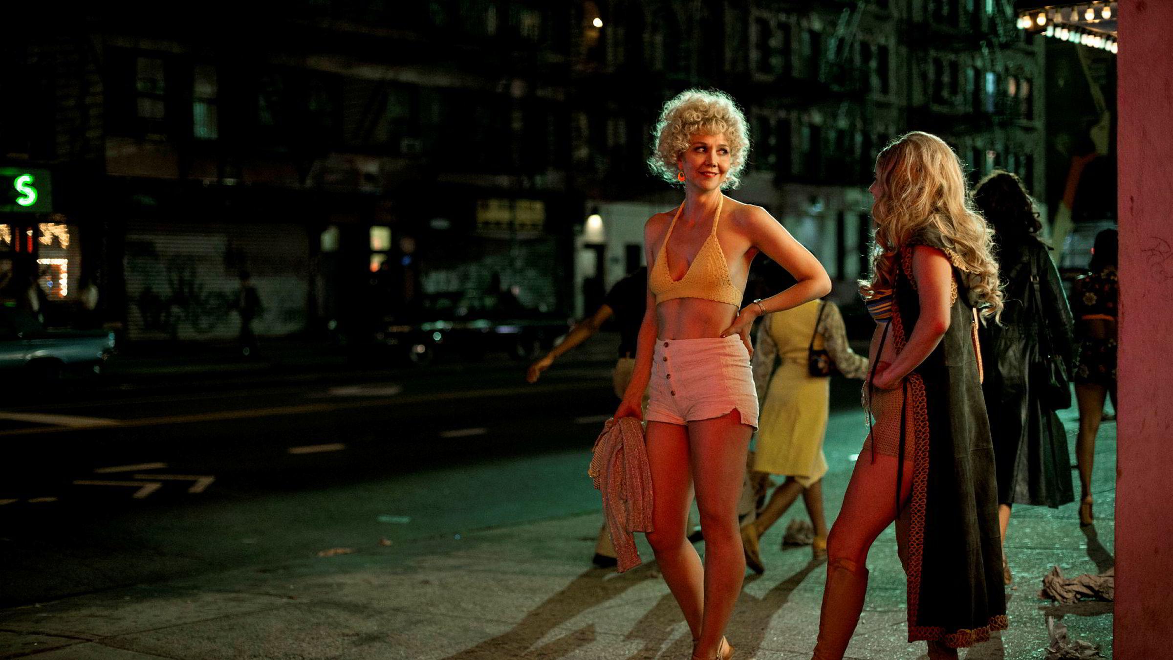 I oktober er det premiere på HBO-serien «The Deuce», som i fiksjonsform tar for seg porno- og prostitusjonsmiljøet rundt Times Square i New York på begynnelsen av 70-tallet, undergrunnskulturen som kulminerte med «Deep Throat».