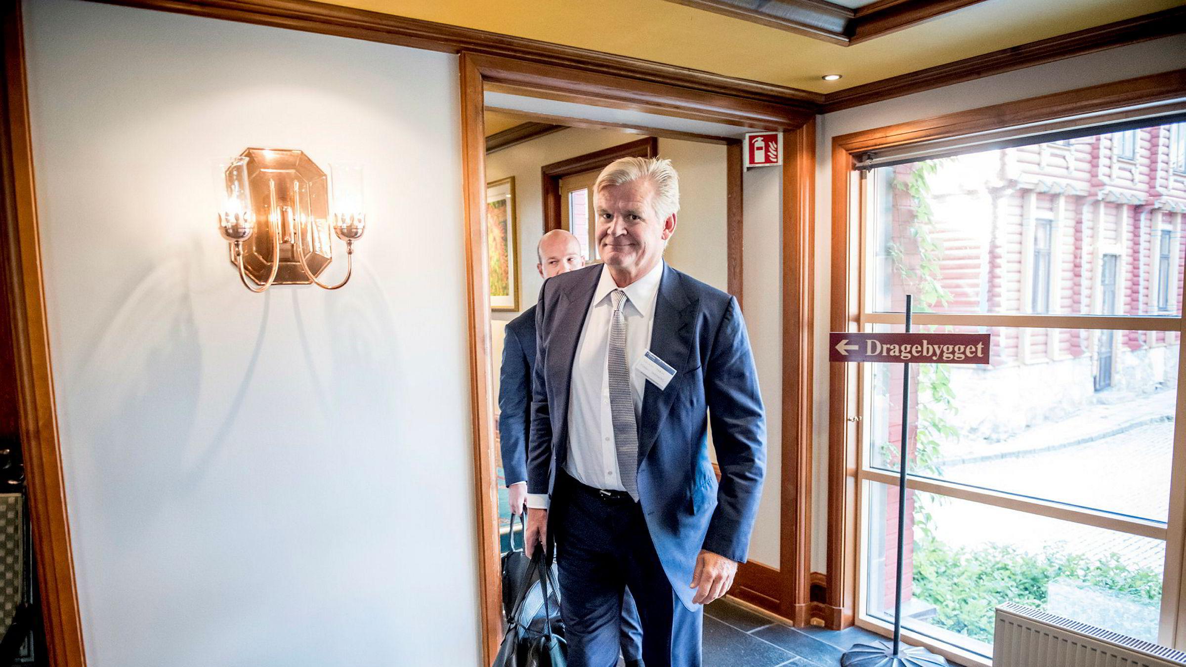 Daværende styreleder Tor Olav Trøim på vei til å presentere Borr Drilling under Pareto-konferansen i 2018.