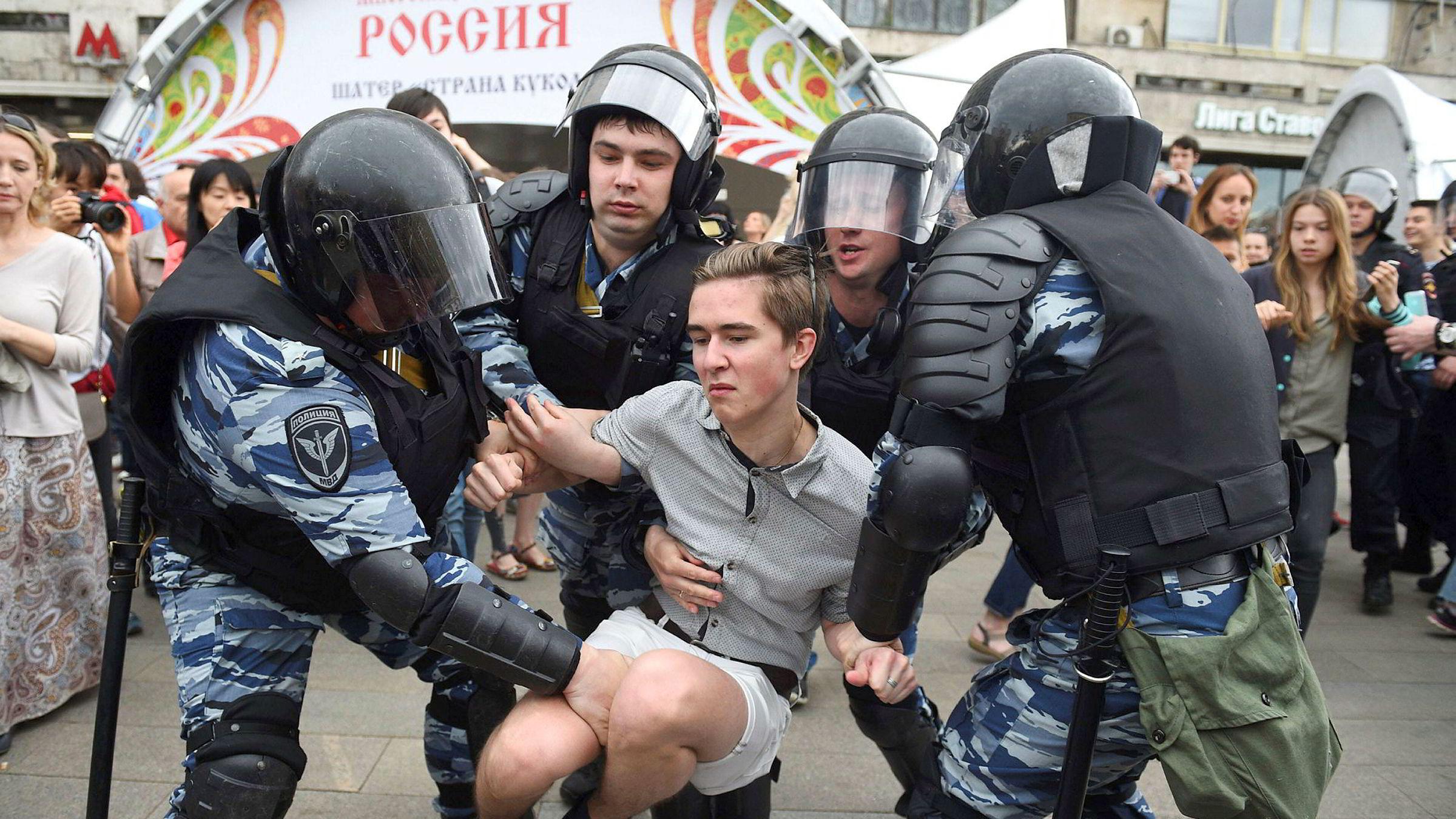 Norge er dømt 28 ganger i EMD – mens domstolen har avgjort 2000 saker mot Russland. Her fra en demonstrasjon i Moskva i juni.