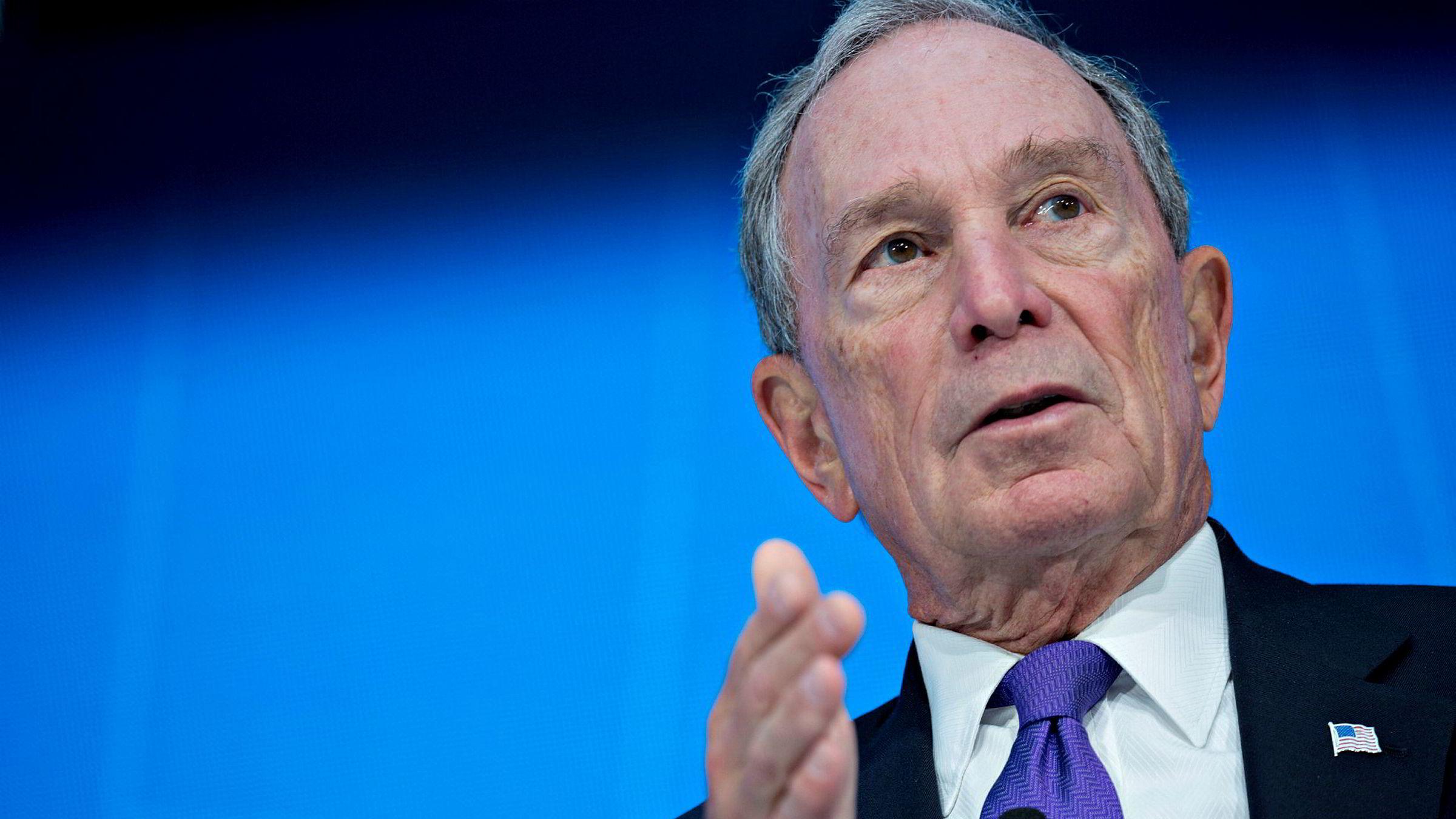 Den 77 år gamle milliardæren Michael Bloomberg vil sannsynligvis stille som presidentkandidat i USA. Han mener de eksisterende kandidatene ikke vil klare å fjerne Trump fra Det hvite hus i 2020.