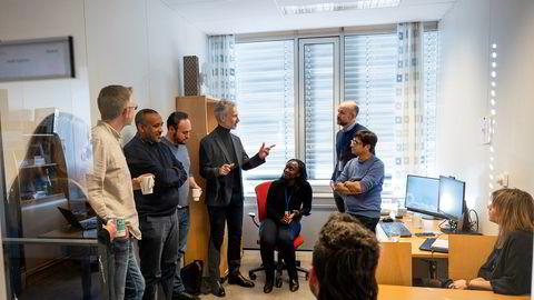 I kontorene på Torshov koordinerer nestleder i CEPI Frederik Kristensen, og de ansatte utviklingen av en vaksine mot koronacviruset.