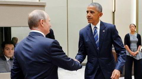 Amerikanske senatorer krever svar fra president Barack Obama om russisk hacking av den amerikanske valgkampen.