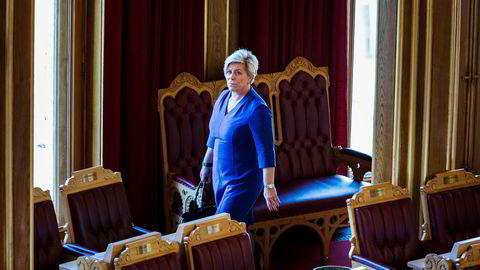 Finansminister Siv Jensen er i Stortinget og svar på spørsmål om blant annet SSB.