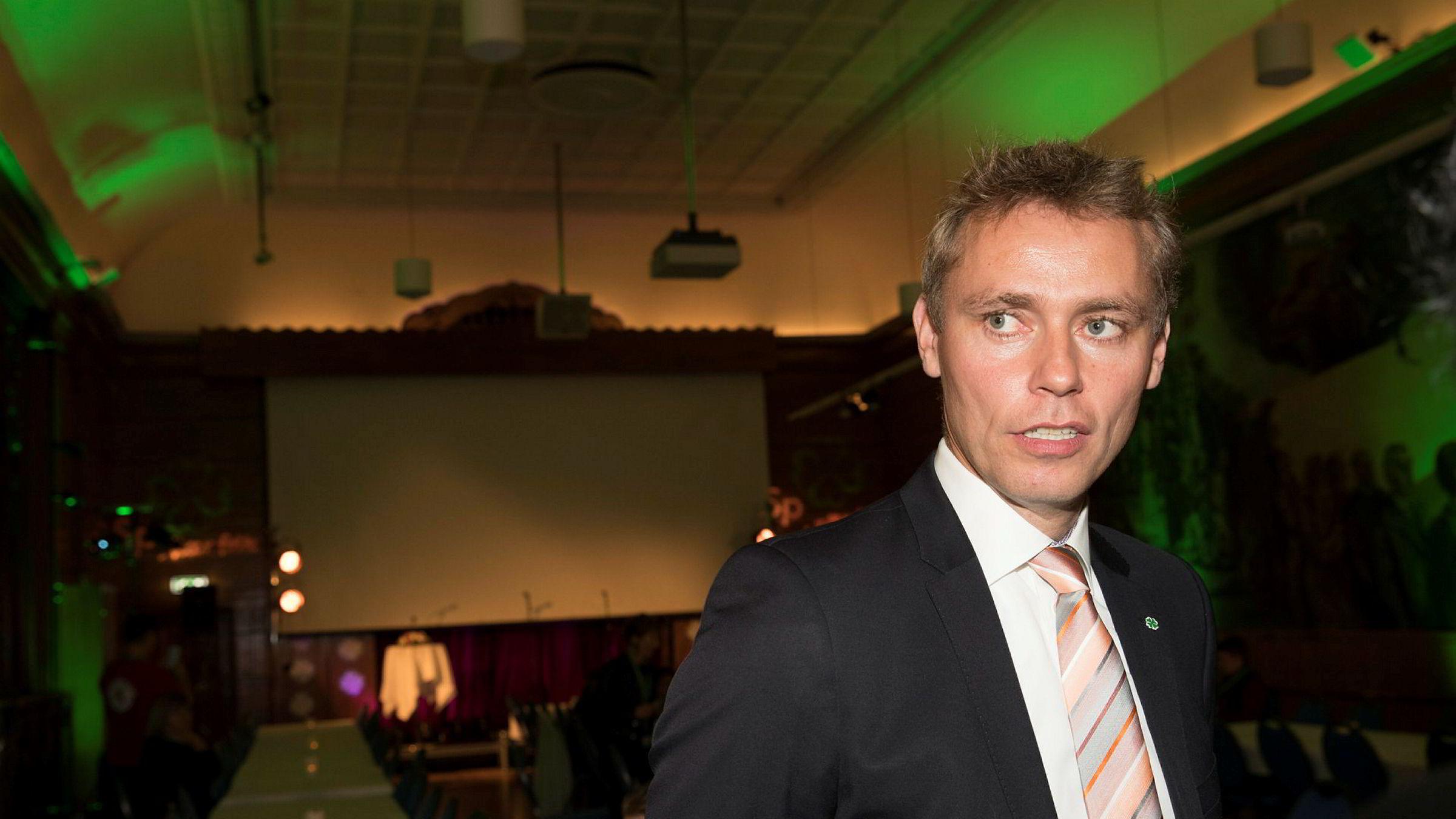 Tidligere olje- og energiminister Ola Borten Moe (Sp) kritiseres av tidligere leder i Natur og Ungdom Silje Lundberg for håndteringen av et varsel i 2013.