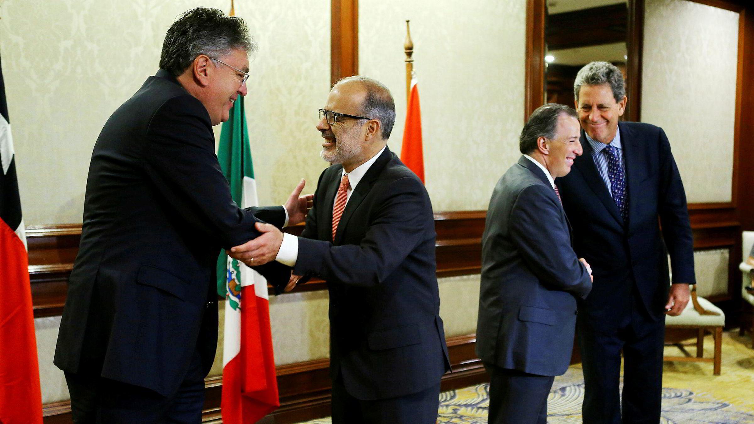 Finansministrene i de fire Pacific Alliance-landene Colombia, Chile, Mexico og Peru er samlet i Santiago i Chile for å diskutere en fremtid uten frihandelsavtalen TPP. I Santiago er også kinesiske representanter, som nå ser nye muligheter.