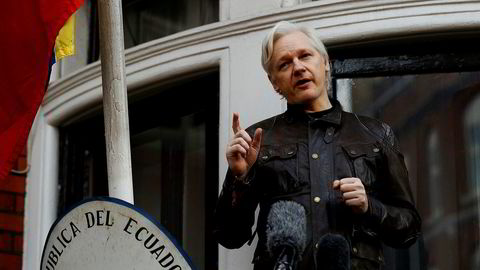WikiLeaks grunnlegger Julian Assange møtte pressen fra balkongen i Ecuadors ambassade i London 19. mai ifjor.