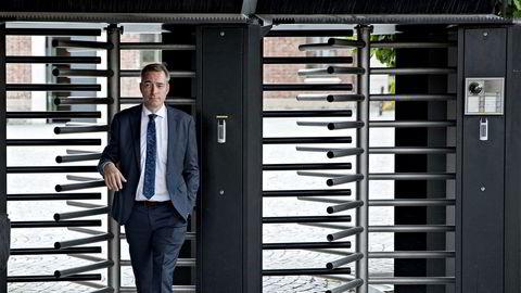 Forsvarsminister Frank Bakke-Jensen uttrykte sin støtte på Facebook til kritikk mot stortingspresident Olemic Thommessen, men valgte senere å slette kommentaren.