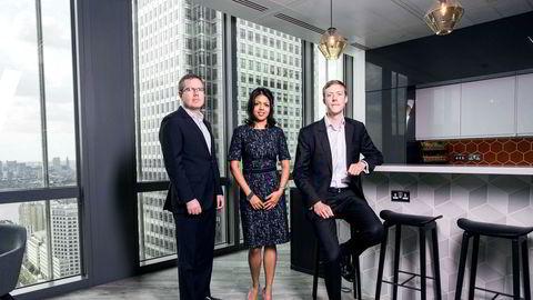 Amrita Sen og Fredrik Fosse (til venstre) driver analyseselskapet Energy Aspects i London sammen med Richard Mallinson og omsatte for nærmere 100 millioner kroner i fjor. Resultatet før skatt ble 30 millioner kroner.