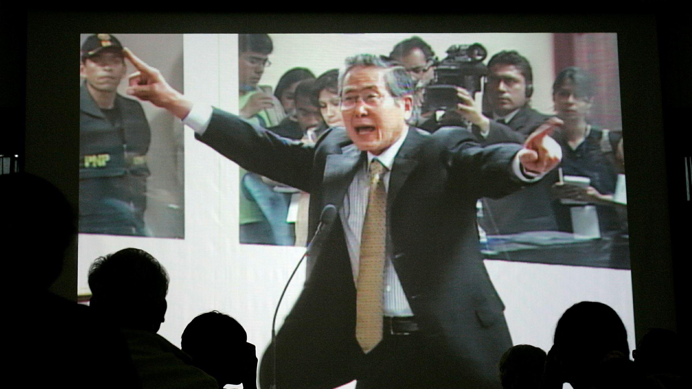 Arkivfoto fra rettssaken mot Alberto Fujimori, som nå benådes av helsemessige årsaker. Foto: Martin Mejia / AP / NTB scanpix